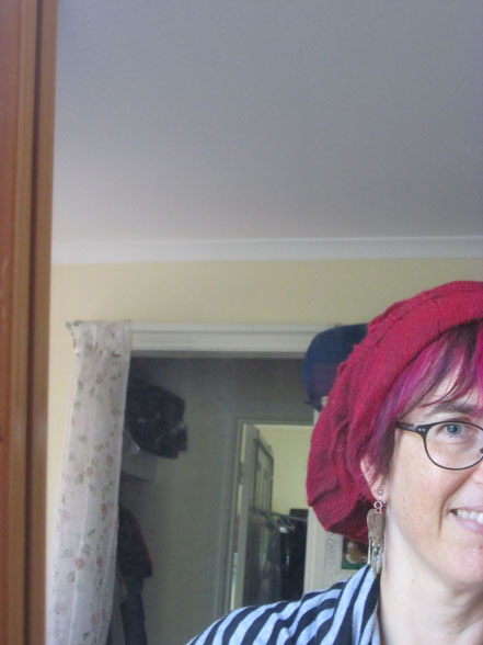 me_red-hat_crop